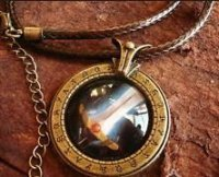 Медальон World of Warcraft  класс воин Warrior (Металл + стекло)