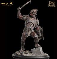 Статуэтка The Lord of the Rings - Uruk-hai swordsman Statue (Weta Collectibles)