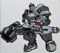 Значок 2016 Blizzcon Exclusive Reinhardt Blizzard Pin